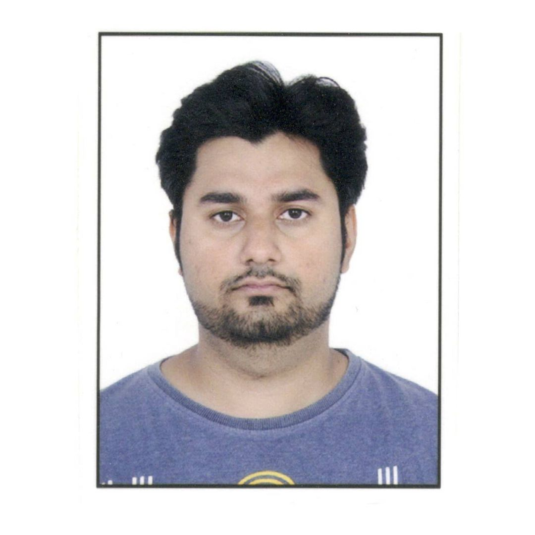 Pasport Photo Series: 2018  This was clicked for Canada Visa for our US-Canada tour in 2018. This has been my look for 3 years now and i have no plans of changing it. Because Dubai mein taxi chalaane waala aisa dusra look kahaan milega?  #photography #canada #visa